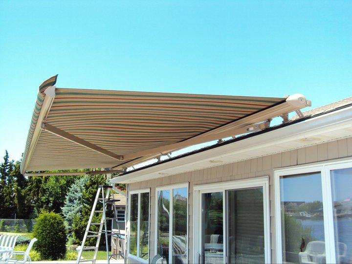 Roof Mount Retractable Awning